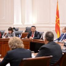 Премиерот Заев и министерката Царовска на работен состанок со Сојуз на Синдикати на Македонија