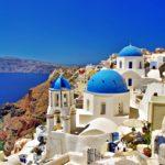 """Грчката полиција ги """"чешла"""" островите, има приведени и казнети"""