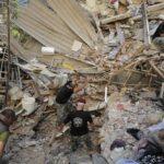 Расте бројот на загинати во експлозијата во Бејрут (ВИДЕО)