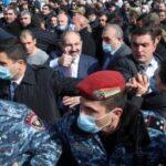 Во Ерменија врие, ситуацијата е на раб на државен удар